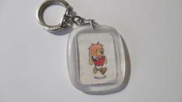 Porte Clé Vintage Coupe Du Monde De Football  Jules Rimet 1966 Mascotte Lion Willie - Key-rings