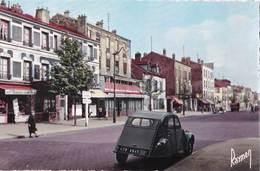 CPSM  : Ivry  (94) La Rue De Paris Papeterie   Restaurant  Beau Plan  2cv Citroen  Imm 45   Ed  Raymon - Ivry Sur Seine