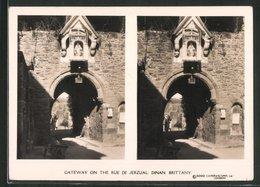 Vue Stéréoscopique-Photo Camerascopes, London,  Vue De Dinan, Gateway On The Rue De Jeruzal - Stereoscopic