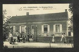 89 - FERRIÈRES - La Maison D'Ecole - TBE ,#89/006 - Autres Communes