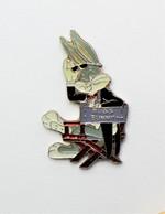 Pin's  Bugs Bunny - Pa/Ce - Médias