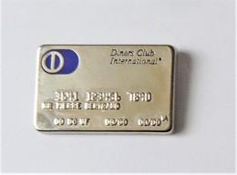 Pin's Carte Diners Club International  - Pa/Ce - Pin's