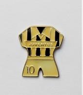 Pin's  Football Maillot JUVENTUS  Numéro 10 - Pa/Ce - Fútbol