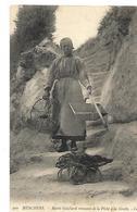 17 MESCHERS MARIE GUICHARD REVENANT DE LA PECHE A LA GROTTE 1908  CPA 2 SCANS - Meschers