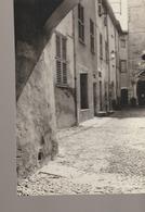 C. P. -  PHOTO - BEDOIN - 84 - PIERRE DRILLAUD - UNE RUE - France