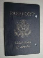 USA Passport Reisepass Passeport Canceled 2001 Of A Woman #3 - Documenti Storici