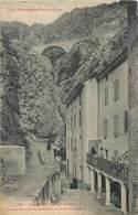 CPA 66 Pyrénées Orientales Canaveilles Les Bains Façade De L'Etablissement Et Pont Des Aigles - Altri Comuni