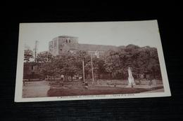 9157        MOUILLERON EN PAREDS, L'EGLISE ET LA PLACE - 1951 - Mouilleron En Pareds