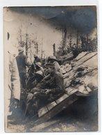 * - Photo De Tirailleurs Sénégalais Avec Un Prisonnier Auquel Ils Ont Donné Du Riz - Datée Du 05/09/1916, Dans La Somme - Guerre, Militaire