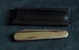 Couteau De Poche - à System D'ouverture Par Une Bille Qui Vas Et Viens à L'intérieur - Cuchillos