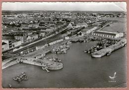 85 / CROIX DE VIE - Vue Aérienne - Port De Pêche, Quai, Gare Ferroviaire (années 50) - Saint Gilles Croix De Vie