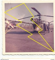 Photo  Hélicoptère Militaire Militarie    / N° 310   ) - Luchtvaart