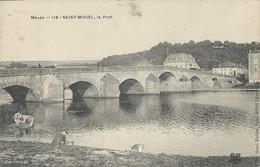 Saint Mihiel    Le PONT     AVEC LAVEUSE - Saint Mihiel