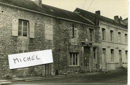 Ardennes. AUBRIVES. 1960. Le Bureau Des Postes - Foto's
