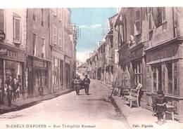 CPA : Saint Chély D'Apcher (48) Rue Théophile Roussel   Rare  Boutiques Boulangerie Librairie ... Animation Ed Pignide - Saint Chely D'Apcher