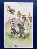 """Cpa--gaufrée-""""Enfants Tyroliens-Libération D'une Abeille""""--(my Ref 307)-1906 - 1900-1949"""