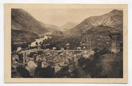 CASTELLANE EN 1932 - VUE GENERALE ET LA VIEILLE TOUR - TIMBRE DECOLLE - CPA VOYAGEE - Castellane
