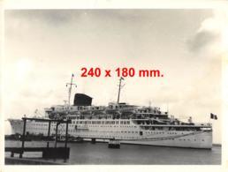 Paquebot Amarré - Dim. 240 X 180 Mm. - Schiffe