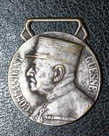 """Médaille Décoration (sans Ruban) """"Oeuvre Des Pupilles Des Sapeurs Pompiers Français - Commandant Guesnet - 1936"""" - Pompiers"""