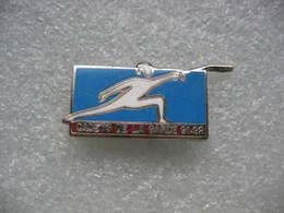 Pin's Escrime Des Cadets De La Garde 91-92 - Scherma