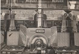 """PHOTO (15x.10.5 Cm) PUBLICITÉ SUR LE CHAMPAGNE """"MERCIER"""" STAND BOUTEILLES CHAMPAGNE MERCIER PENSE EXPO PÉRIGUEUX (24) - Photographs"""