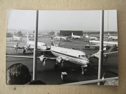 Zürich - Airport, 1960. / Planes: Commet Olympic Line - Greece, A Few Caravella Swissair-a ( 11,2 X 7,7 Cm ) - Aviazione