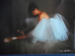 CP DAVID HAMILTON - Jeune Danseuse Assise Jambes Allongées - Illustrateurs & Photographes