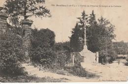 AVALLES L Entrée De L Hopital Et Le Calvaire - Other Municipalities