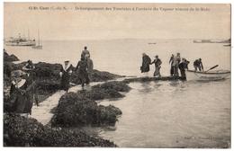 22 - SAINT CAST - Débarquement Des Touristes A L'arrivée Du Vapeur De St Malo - Cpa Cotes D'armor - Saint-Cast-le-Guildo