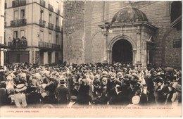 FR66 PERPIGNAN - Labouche - Fête Du Centenaire Des Platanes Le 5 Juin 1910 - Sortie De La Cathédrale - Animée - Belle - Perpignan