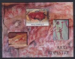 Z725. Mozambique - MNH - 2010 - Art - Cave Paintings - Bl. - Arte