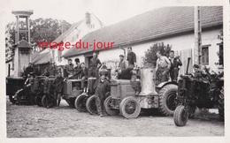 2 PHOTOS ANCIENNES  LE CHESNOY PRES DE MONTARGIS ECOLE DE MOTOCULTURE EN 1941 TRACTEUR MACHINE AGRICOLE - Lieux