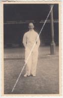 CARTE PHOTO NAMUR TOURNOI D'ESCRIME CADETS 1938 L'ESCRIMEUR ARTHUR DOLLE (KOROCLUB ECOLE FLAMANDE) A L'ECOLE DES CADETS - Namur