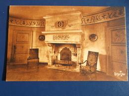 17 DAMPIERRE Sur BOUTONNE : Le CHATEAU , Une Salle , Carte Marron , C.P.A.,carte En Bon état - Dampierre-sur-Boutonne