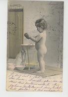 ENFANTS - LITTLE GIRL - MAEDCHEN - Jolie Carte Fantaisie Portrait Fillette Nue Faisant Sa Toilette - Portraits