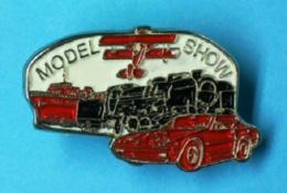 1 PIN'S //  ** MODELISME / ICARE / MODEL SHOW / TRAIN / AVION / VOITURE / BATEAU ** AÉROMODÉLISME / MODELE RED ** - Boats