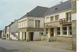 GUERN - La Mairie Et La Rue Principale - Sonstige Gemeinden