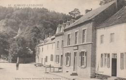 MARCHE-LES-DAMES , ( à Droite Enseigne  Café , Au Fond , L'entrée Et La Chapelle Des D'Arenberg ) - Namur