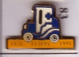 R83 Pin's Tacot Seurre Cote D'or Près Dijon Ambulance Flippe Croix Bleu ACHAT IMMÉDIAT - Médical