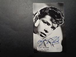 Artiste ( 867 ) Artiest Zanger  Chanteur ( Geen Postkaart , Blanco Op Achterkant ) Dédicasse ? Signature ? Cliff Richard - Chanteurs & Musiciens