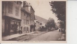 15 CHAUDES AIGUES  -  Avenue De Saint Flour Et La Poste  - - Altri Comuni