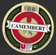 Etiquettes De Fromage.    Camembert De Normandie. - Quesos