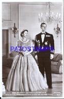 127695 ROYALTY COSTUMES HER MAJESTY QUEEN ELIZABETH & ROYAL HIGHNESS THE DUKE OF EDINBURGH UK POSTAL POSTCARD - Familles Royales