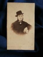 Photo CDV à Marseille - Second Empire Portrait Hommeau Chapeau, Vers 1865 L479 - Fotos