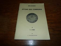 Plaquette Belgique Jetons Des Communes 1.1.1982 64p - Andere Verzamelingen