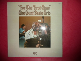 LP33 N°603 - FOR THE FIRST TIME THE COUNT BASIE TRIO - COMPILATION 12 TITRES - Jazz