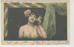 FEMMES - FRAU - LADY - Jolie Carte Fantaisie Femme Nue Sous Voile Se Maquillant - Donne