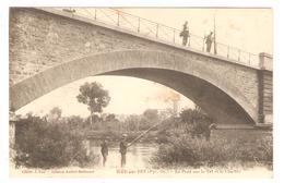 CPA 66 ILLE Sur TET - Le Pont Sur La Tet Et Le Clocher - Animation Pêcheurs - Altri Comuni