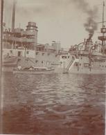 Photographie Anonyme Vintage Snapshot Bateau Guerre Marine - Bateaux