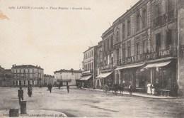 CPA (33)  LANGON  Place Maubec Café Du Midi Café De France (2 Scans) - Langon